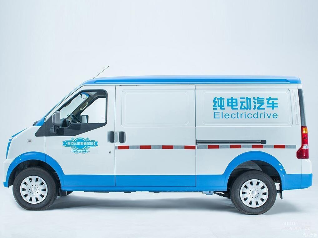 深圳宝安瑞驰经销商粤B牌面包车