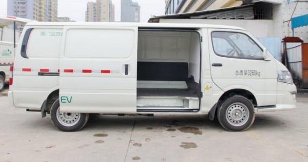罗湖金旅海狮成就用户高效货运 牌货车